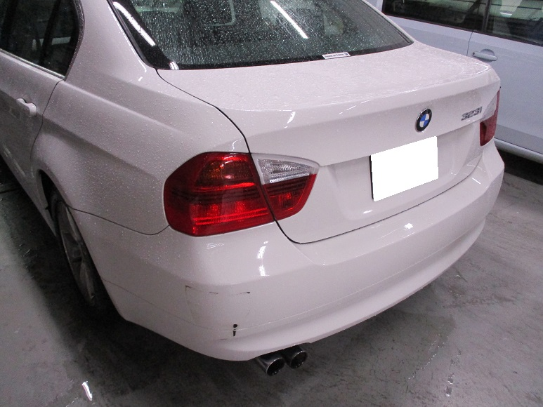 【世田谷区】BMW 325i E90 リアバンパー 補修塗装