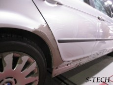 BMW,3シリーズ,318i,E46,右フロントドア,右リアドア,右クオータパネル,板金,塗装,エステック