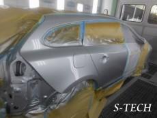 ボルボ,V60,リアバンパー,右クオータパネル,キズ,凹み,板金,塗装,修理,エステック
