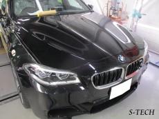 BMW,M5,F10,ボンネット,ルーフ,トランク,雨染み,塗装劣化,剥離,塗装,修理,エステック