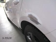 ボルボ,V40,リアバンパー,左クオータパネル,キズ,凹み,板金,塗装,修理,エステック