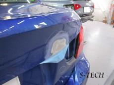 BMW,320i,E90,トランク,リアバンパー,キズ,凹み,変形,割れ,板金,塗装,パーツ交換,修理,エステック