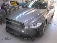 ジャガー,XJ,フロントバンパー,キズ,修理,塗装,エステック(1)