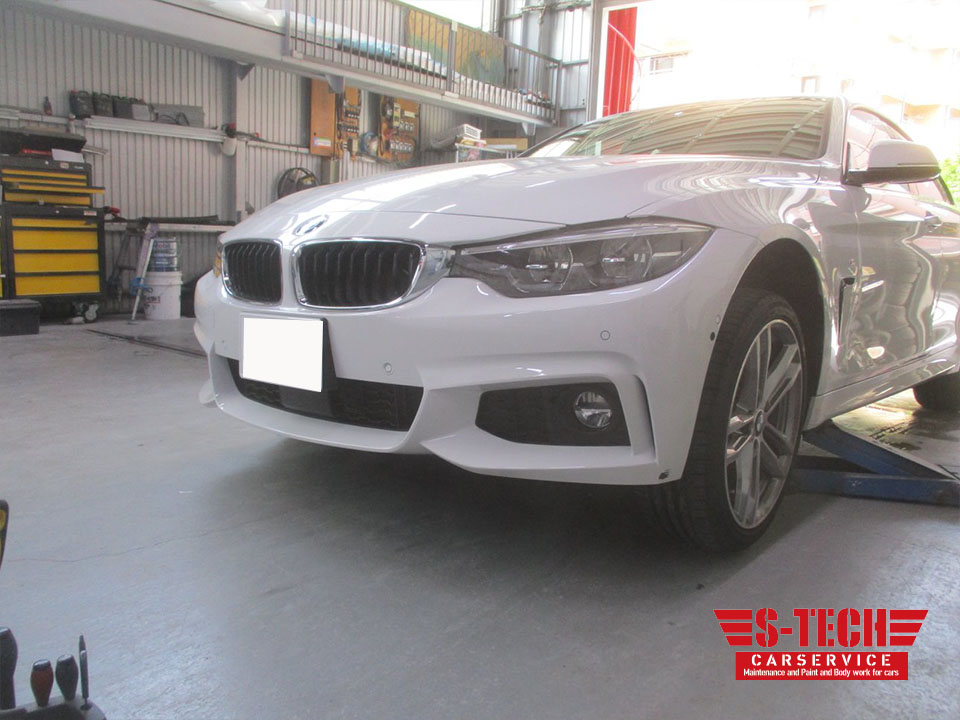【品川区】BMW 3シリーズ F30 フロントバンパー キズ塗装剥がれ 修理塗装