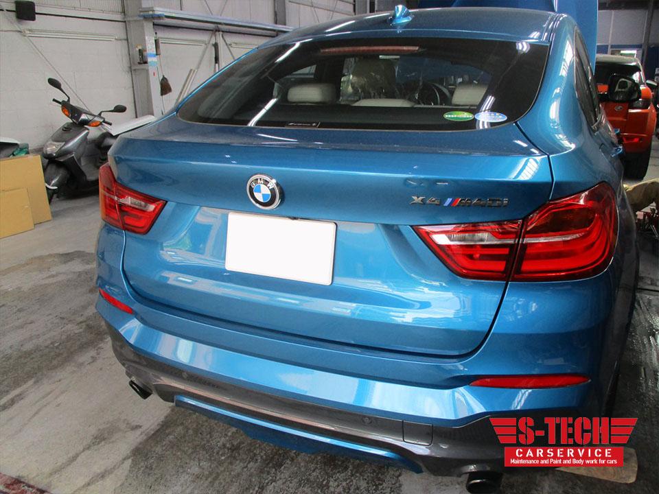 【調布市】BMW X4 F26 M4Di トランク 傷へこみ 板金塗装